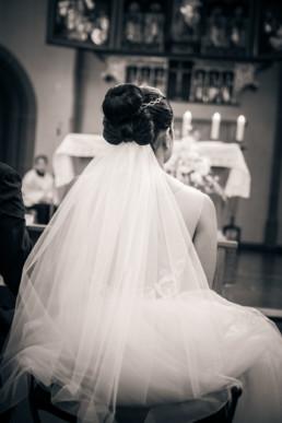 58-Brautstyling-Frankfurt-Brautmakeup-Brautfrisur-Makeupartist-Braut-Hochzeit-Visagistin-Mobiler-Brautservice