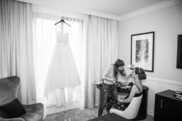 71-Brautstyling-Frankfurt-Brautmakeup-Brautfrisur-Makeupartist-Braut-Hochzeit-Visagistin-Mobiler-Brautservice