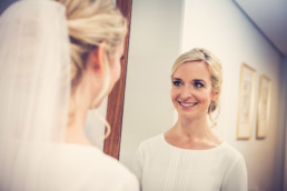 77-Brautstyling-Frankfurt-Brautmakeup-Brautfrisur-Makeupartist-Braut-Hochzeit-Visagistin-Mobiler-Brautservice